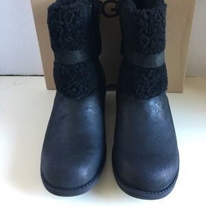 New UGG Women Blayre II  Winter Boot.